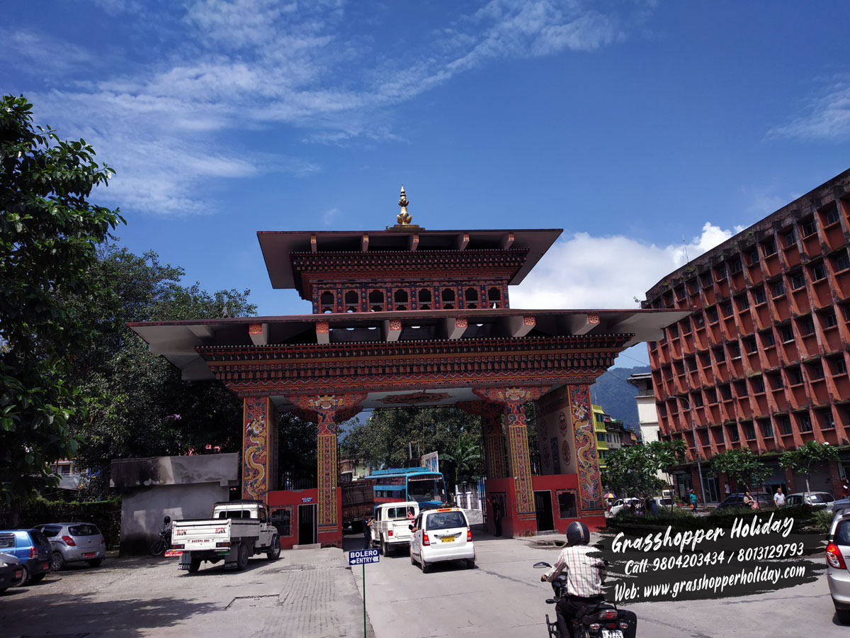 bhutan-gate- Phuntshilong - dooars package tour