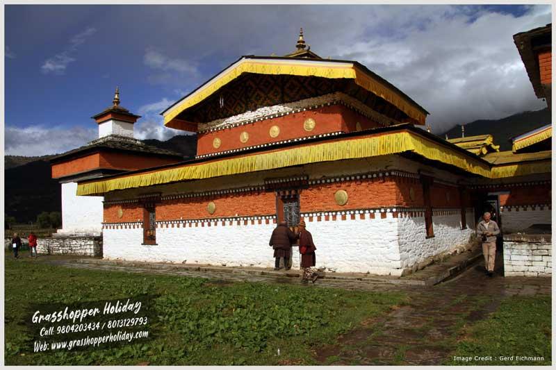 Jambay Lhakhang - Attraction of bumthang - Jambay lhakhang festival