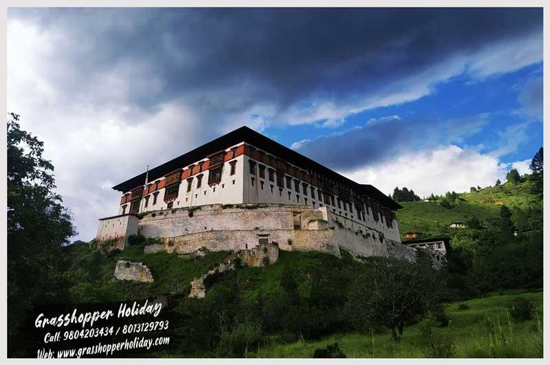 Rinpung Dzong -paro Dzong - top attraction of paro